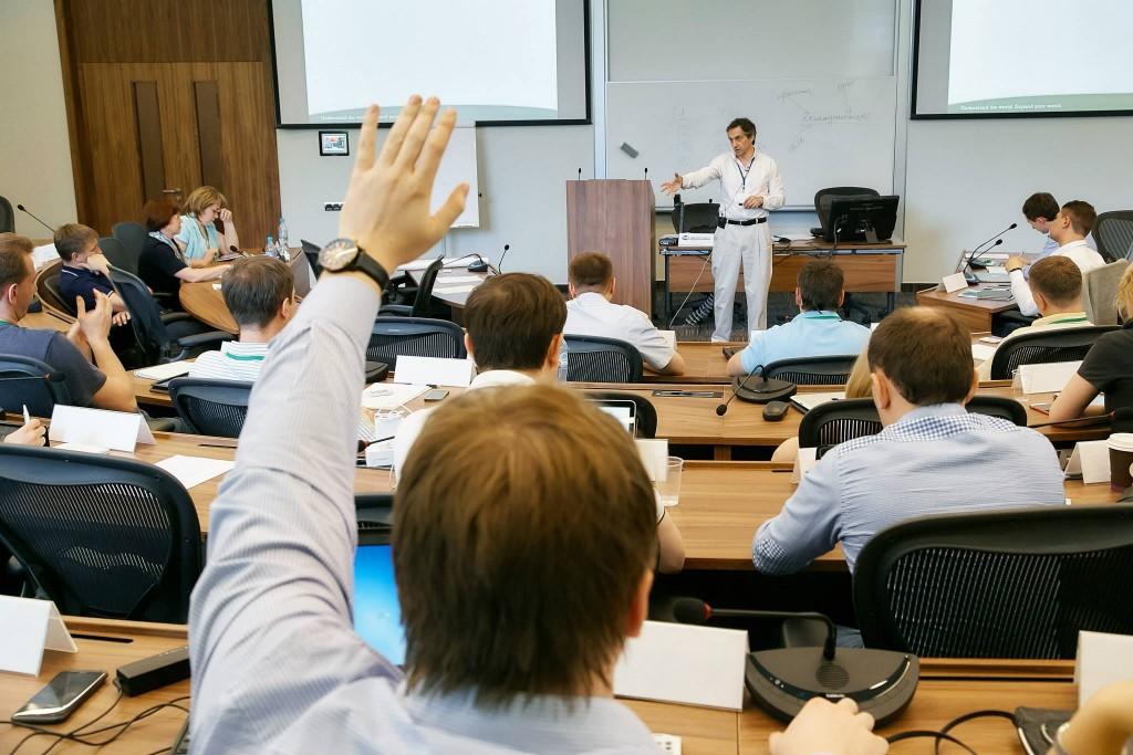 Корпоративное обучение: как повысить вовлеченность на ... Залом Руки