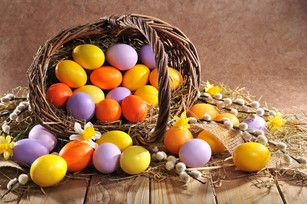 Holidays_Easter_Eggs_480732.jpg