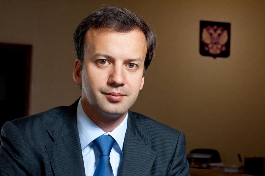 R&L: Медведев поручил Дворковичу курировать развитие интернет-торговли