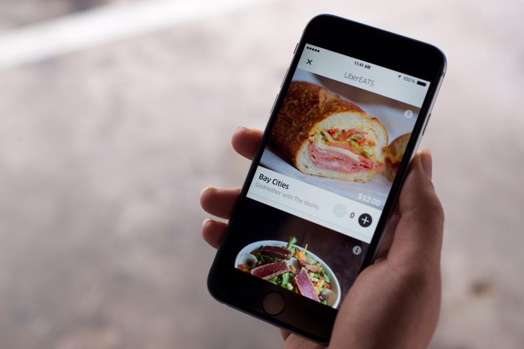 Uber начнет доставлять еду в 24 странах мира, включая РФ