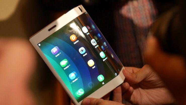 Apple готовит квыпуску «шоковый смартфон» iPhone врадикальном дизайне