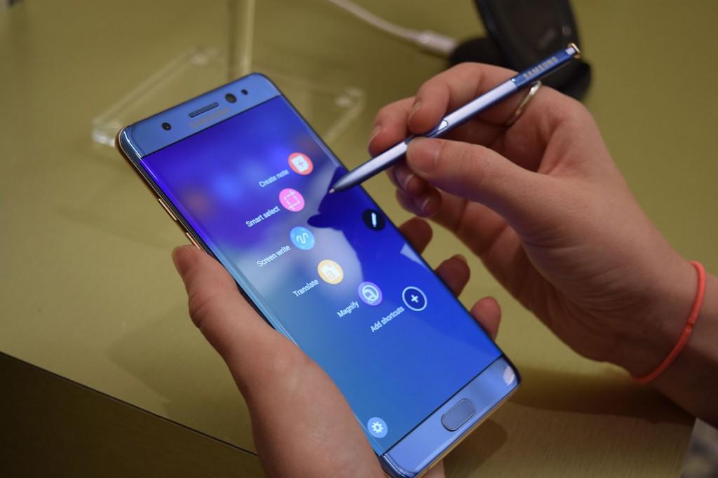 Всем известная компания Samsung планирует ввести запрет на дистанционную зарядку Galaxy Note7