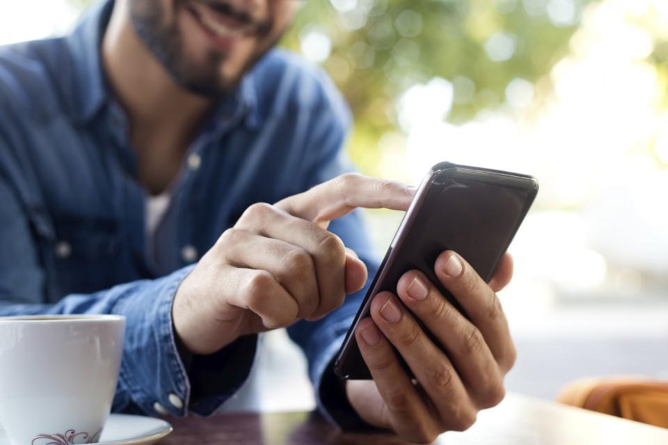 Компания Google создает аналог приложения iMessage для операционной системы Android который сможет заменить стандартную технологию отправки SMS