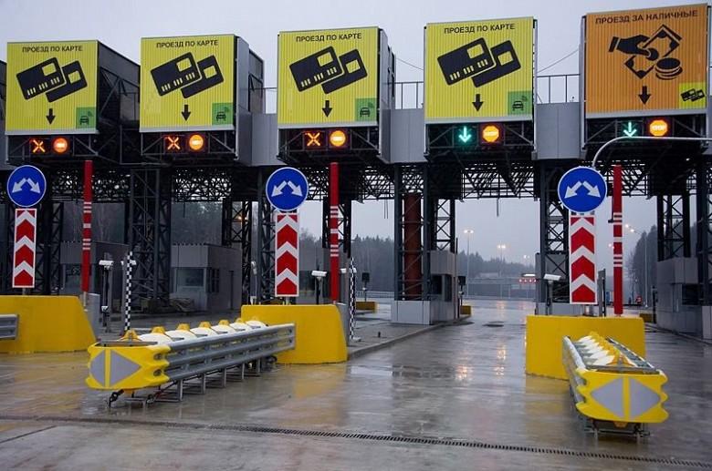 Число машин наплатных трассах «Автодора» выросло на30% в 2017г.