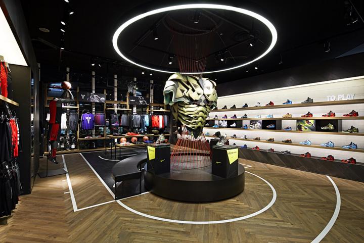 Lloyds Shoe Shop Melbourne