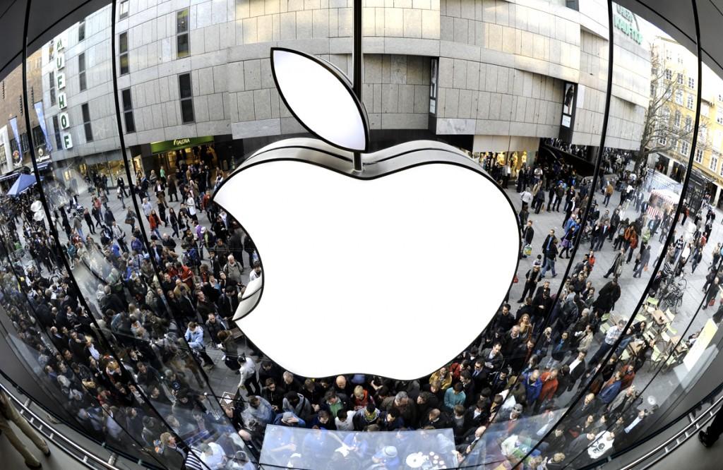 Apple обещает пользователям социальных сетей большой сюрприз